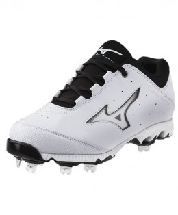 Mizuno-Ladies-9-Spike-Franchise-3-cleats
